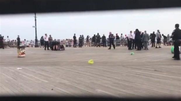 [NY] Raw Footage Shows Chaos on Coney Island Boardwalk