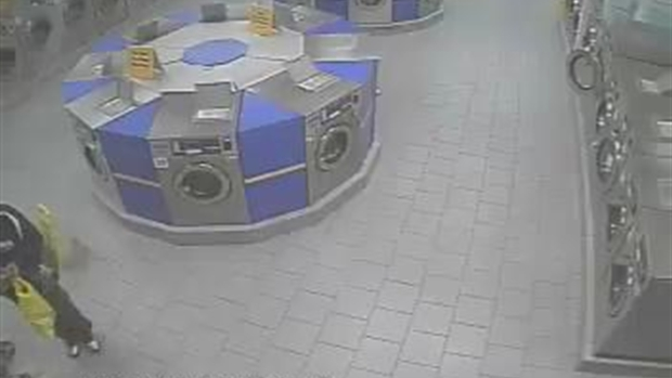 [NY] Surveillance Video Shows Mom Chase Would-be iPhone Thief in Laundromat