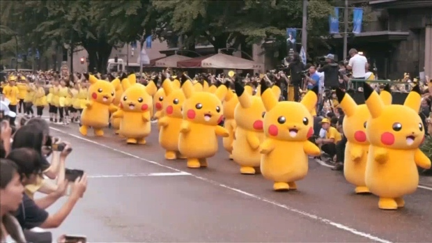 [NATL] Hundreds of Pikachus Parade Through Yokohama, Japan