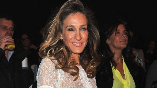 "Sarah Jessica Parker Says She's Still ""Pursuing"" Fashion Career"
