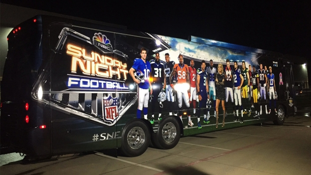 [NATL-CHI] Take a Peek Inside the 'Sunday Night Football' Bus