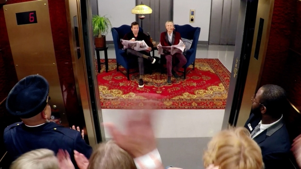 [NATL] 'Tonight': McCartney and Fallon Surprise Fans in 30 Rock Elevators