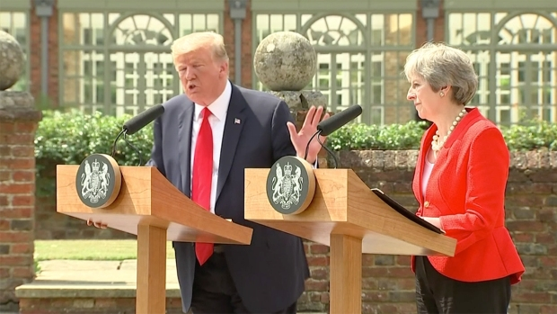 [NATL] Trump Denies Criticizing May in Newspaper Interview