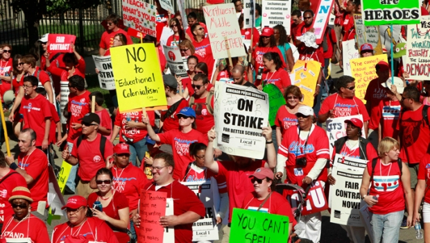 [CHI] City Reacts to Continued Strike