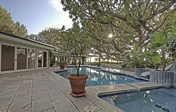 [NATL] Live Like the King for $25K Per Month