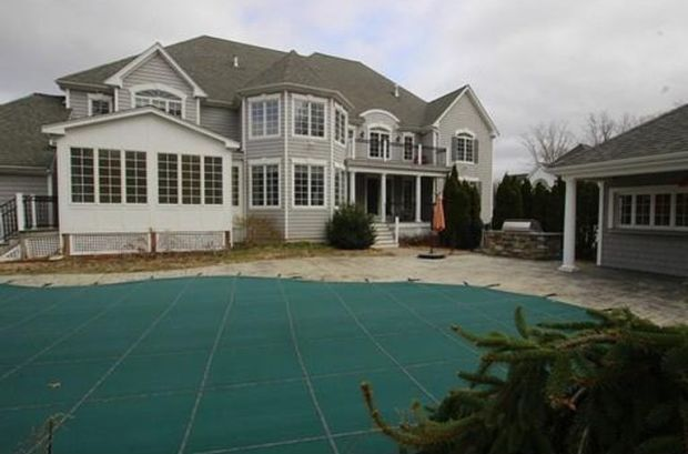 [NATL-NECN] SEE INSIDE: Aaron Hernandez's Former Home in North Attleborough Sold for $1M