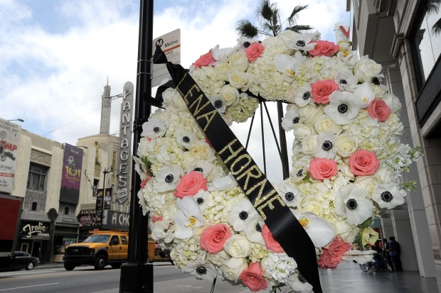Thousands Mourn Singer Lena Horne in NYC