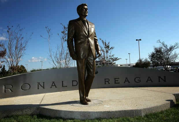 Ronald Reagan Statue Unveiled at National Airport