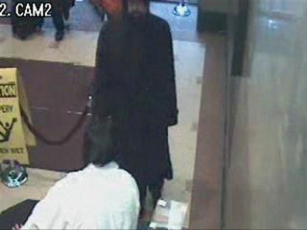 [NY] Surveillance Video of Midtown Heist