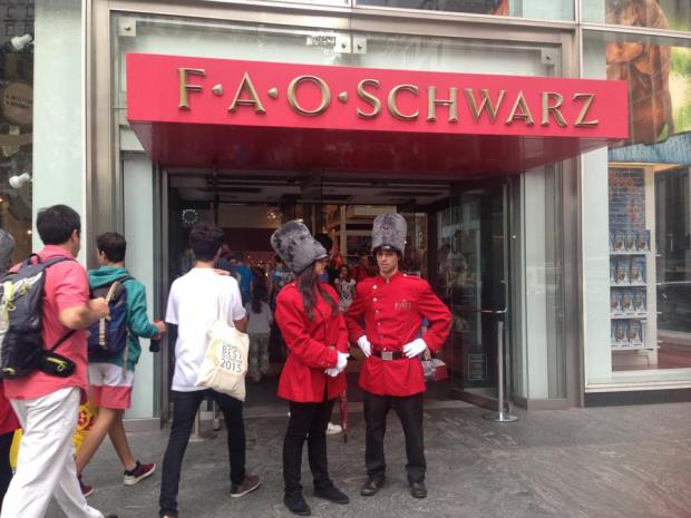 FAO Schwarz's Fifth Avenue Store Closes