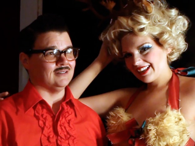 [NTSD] Tis the Season: Showman Murray Hill Hosts a Christmas Bash
