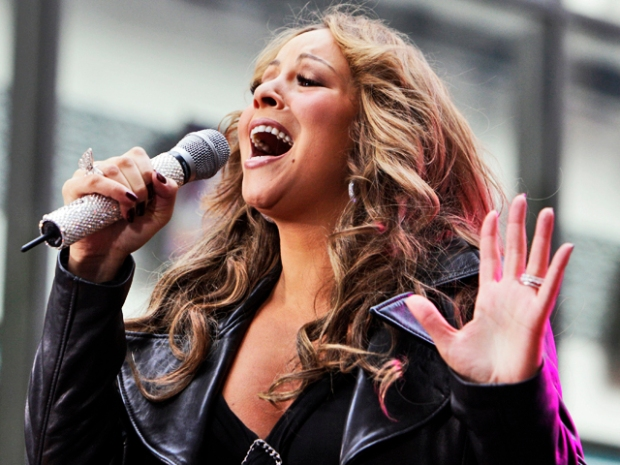 Mariah Carey Rocks the Plaza