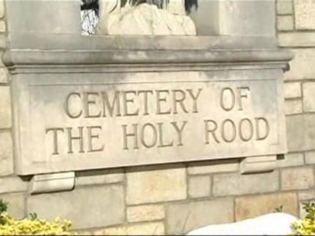 [NY] Poor Taste? Union Organizers Use Rat to Protest at Cemetery