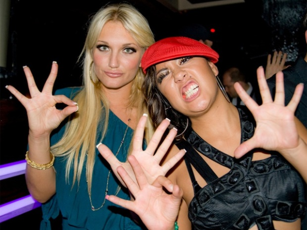 Brooke Hogan Boozes Through Chicago