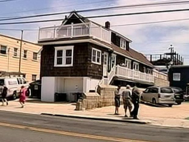 "[PHI] Final Preps on the ""Jersey Shore"" House"