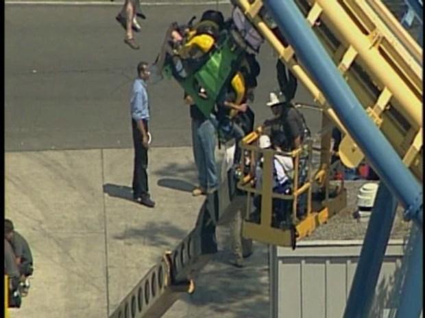 [BAY] RAW VIDEO: Great America Coaster Stuck