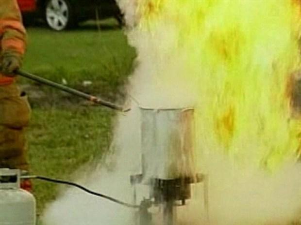 [NEWSC] Firefighters Demonstrate Turkey Fryer Danger
