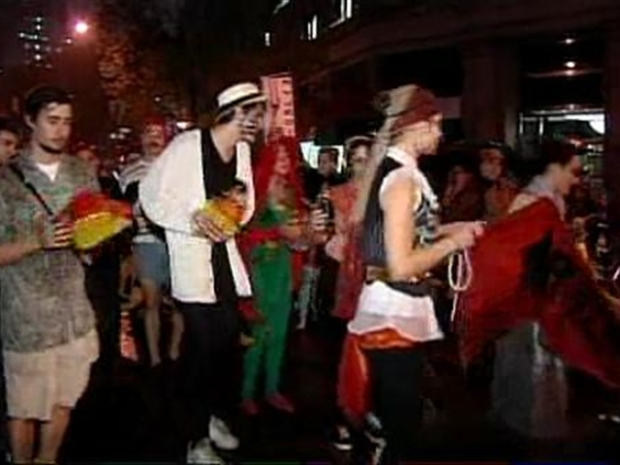 [NY] New York's 'Boils and Ghouls' Step Out for the Annual Greenwich Village Halloween Parade