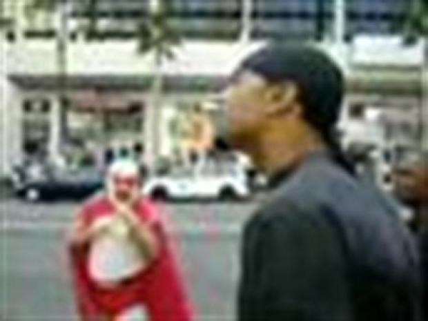 [LA] Man Beats Nacho Libre (RAW)