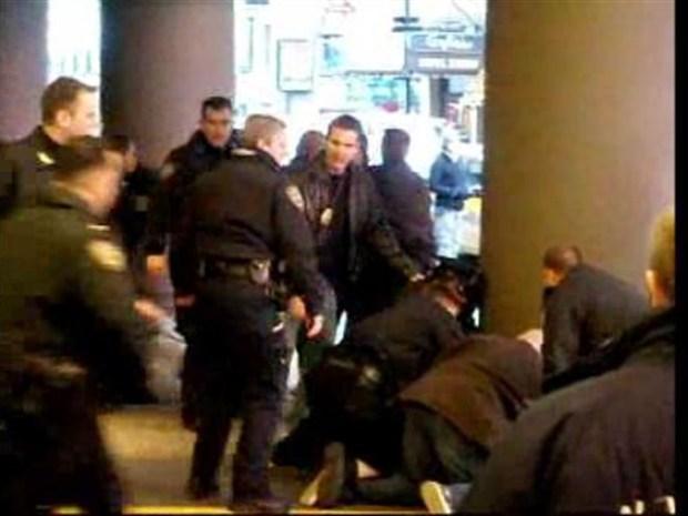 [NY] Cops Pin Times Square Shooter