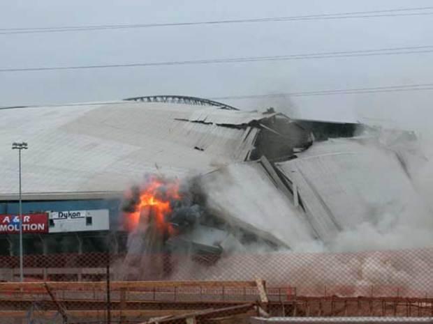 Texas Stadium Implosion in Pictures