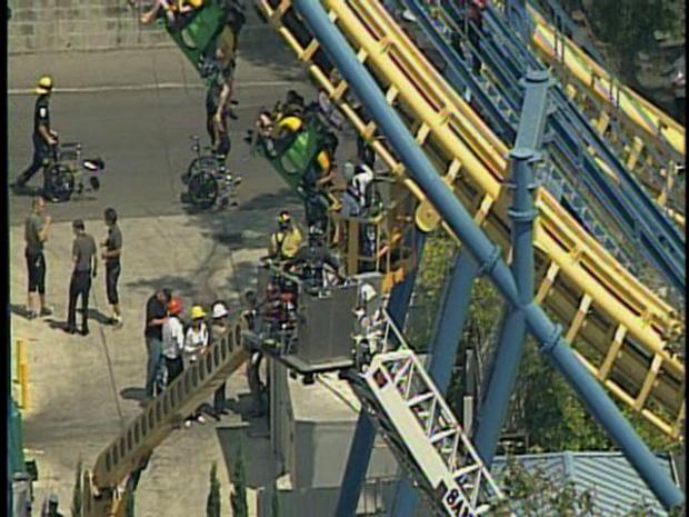 Roller Coaster Riders Stuck in Heat at Great America