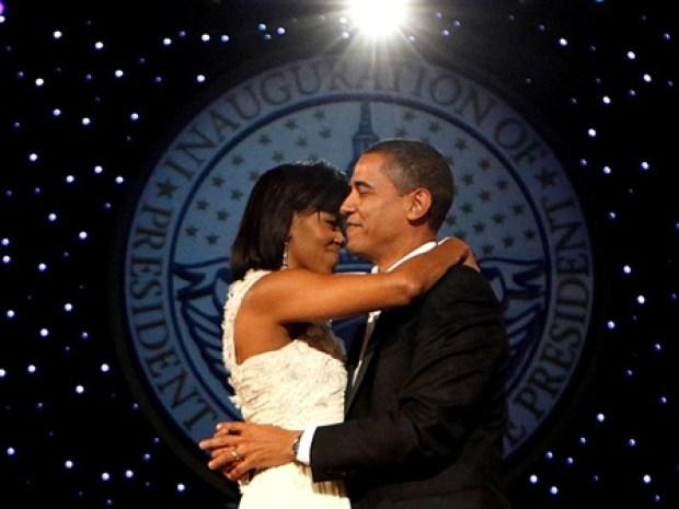 "[NATL] Obamas Dance ""At Last"""
