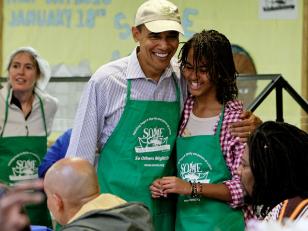 [DC] Obamas Serve Needy on MLK Service Day