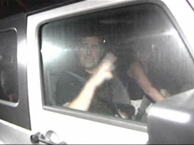 [NY] See Video: Steven Slater's Boyfriend Seen Leaving Home