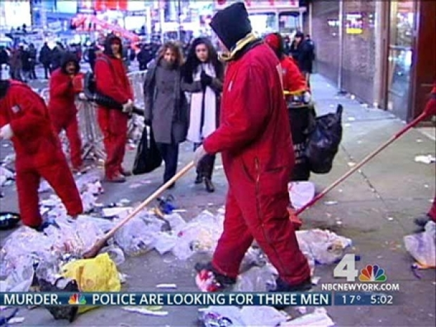 [NY] After Revelry, New Year's Cleanup Begins