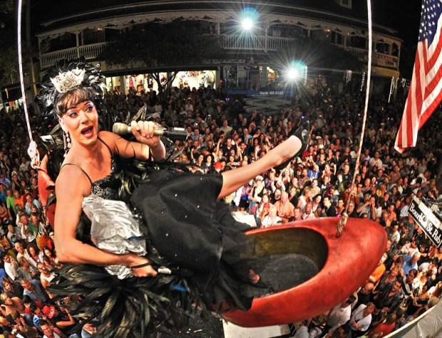 [NATL]Good Riddance 2008!  World Celebrates the New Year
