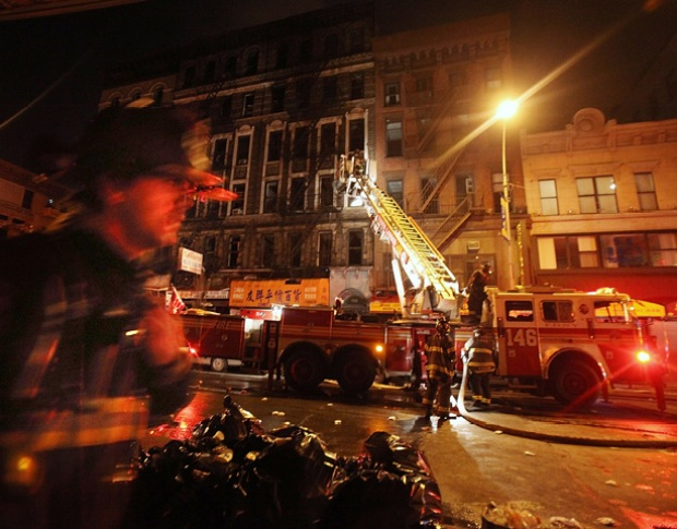 [NY] Dramatic Photos: Seven-Alarm Fire in Chinatown