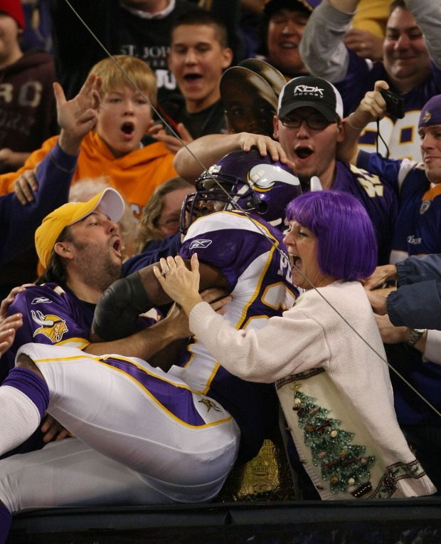 Vikings Beat Giants With Playoff-Clinching Field Goal