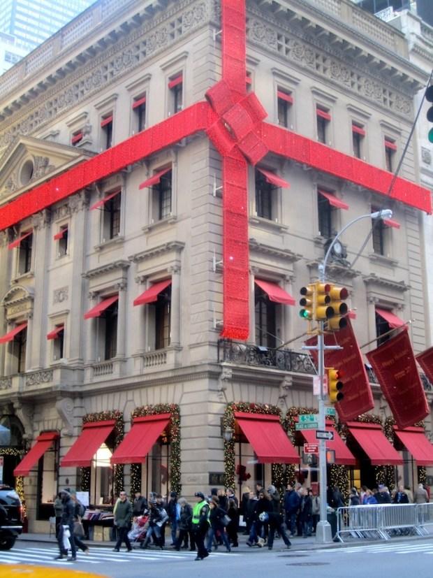 PHOTOS: New York City's Best Holiday Windows