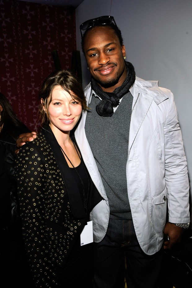 49ers Vernon Davis Does Hollywood