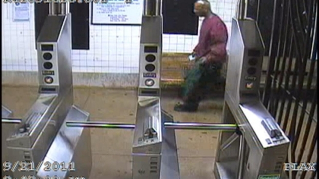[NY] VIDEO: Surveillance of Suspect Wanted in Subway Attack