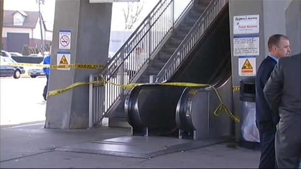 [NY] Commuter Killed on LIRR Station Escalator