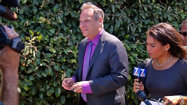 [DGO] Media Swarm Filner at Appearance