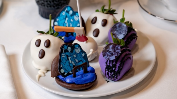 [NATL-LA] The Haunted Mansion 50th Anniversary Tea's Ghostly Goodies