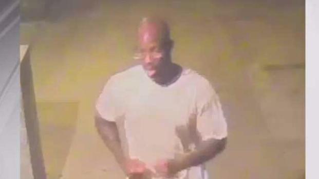 [NY] Doorman Stops Brutal Attack Near Central Park