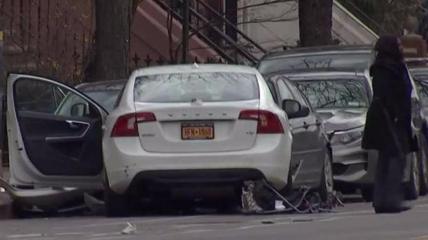 [NY] Driver Blowing Through Red Light Kills 2 Kids: NYPD