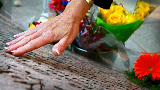 [NATL] Dramatic Photos: 10th Anniversary of 9/11 Attacks