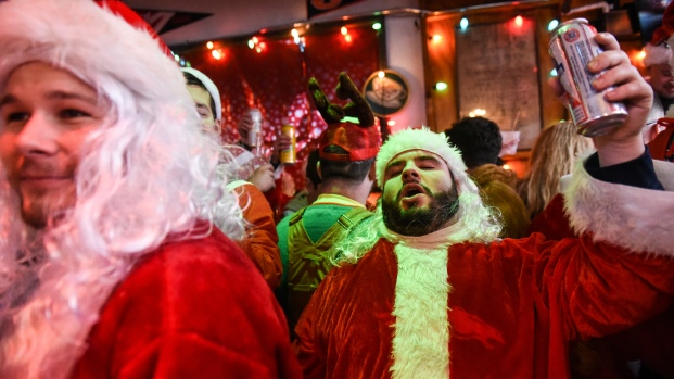 This Year's NYC SantaCon in Photos
