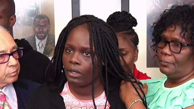 [NY] Mother Mourns Student Killed at School