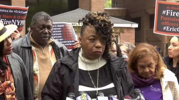 [NY] NYPD Trainer: Officer Used Banned Chokehold on Garner