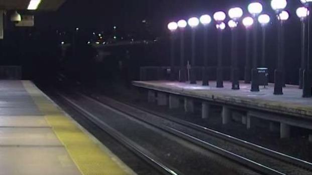 [NY] Rider Falls From NJ Transit Train When Wrong Doors Open