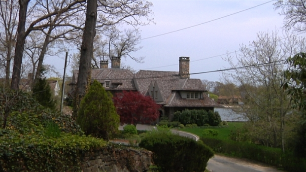 [LXTVN] Square Feet: A French Country Home in Darien, CT
