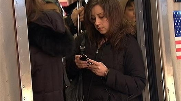 [NY] As iPhone4 Sales Rose, So Did Thefts