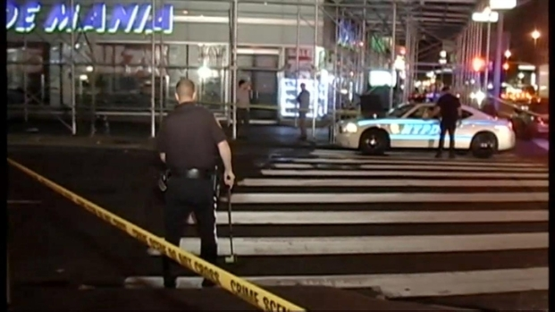 [NY] Woman, 21, Killed by Hit-Run Dump Truck Near Union Square