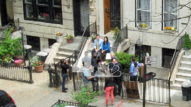 [NY] Exclusive: Anthony Weiner Spotted Shooting Campaign-Style Video at Childhood Home
